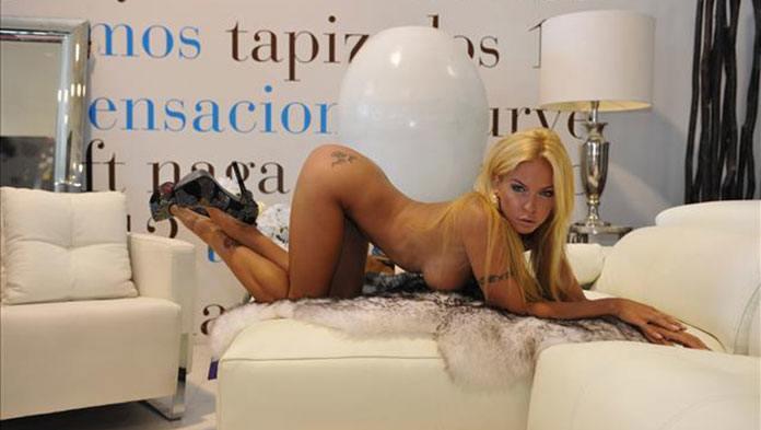 Biggi Bardot findet man exklusiv bei Visit-X.net vor der Cam